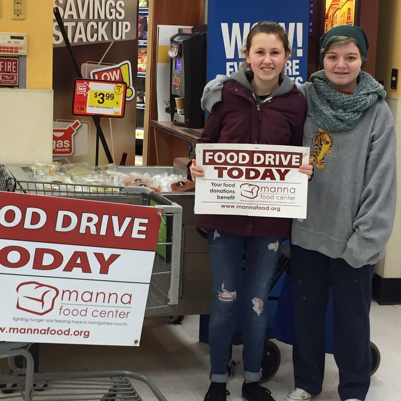 Kids promoting food drive