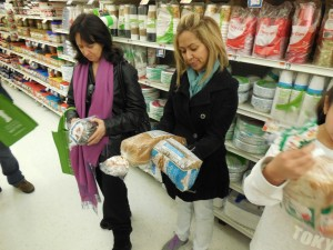 Participants learn to identify whole grains